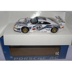 PORSCHE 911 GT1 EVO MOBIL  Nº25