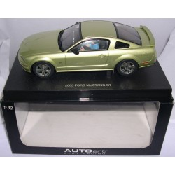 FORD MUSTANG GT 2005 ROAD CAR LIME